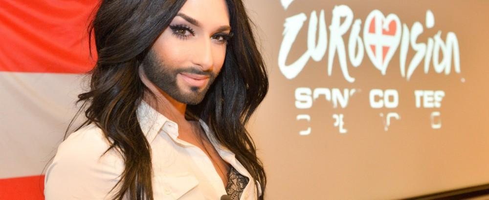 eurovision-song-contest-conchita-wurst-als-bondgirl-41-51776739